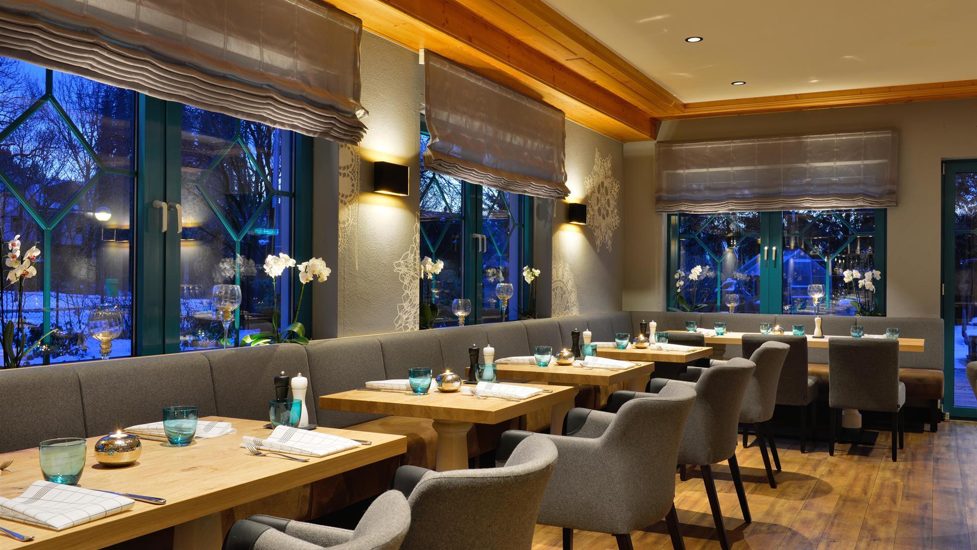 Abendessen Geniessen Almgrill Restaurant Hotel Erb Parsdorf