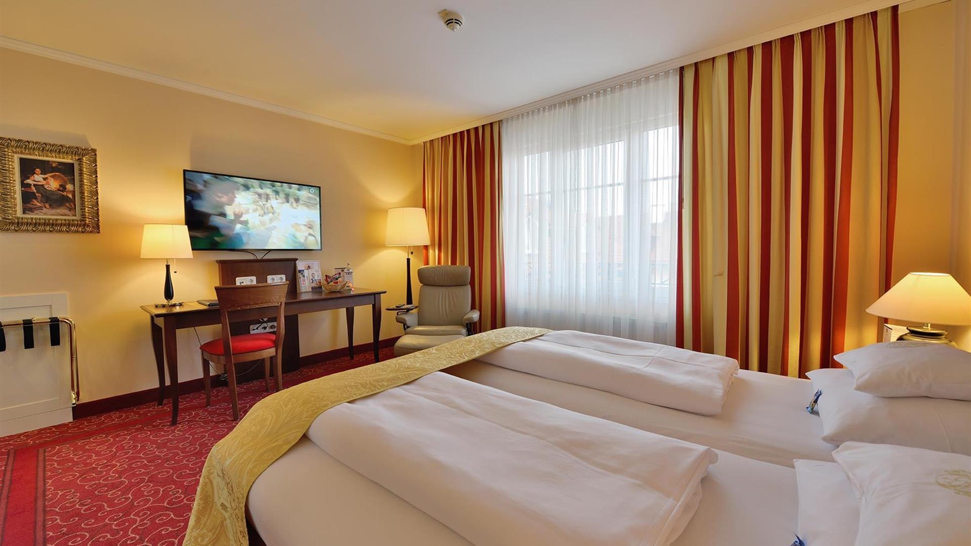 deluxe zimmer mit klimaanlage 4 sterne hotel erb parsdorf messe m nchen. Black Bedroom Furniture Sets. Home Design Ideas