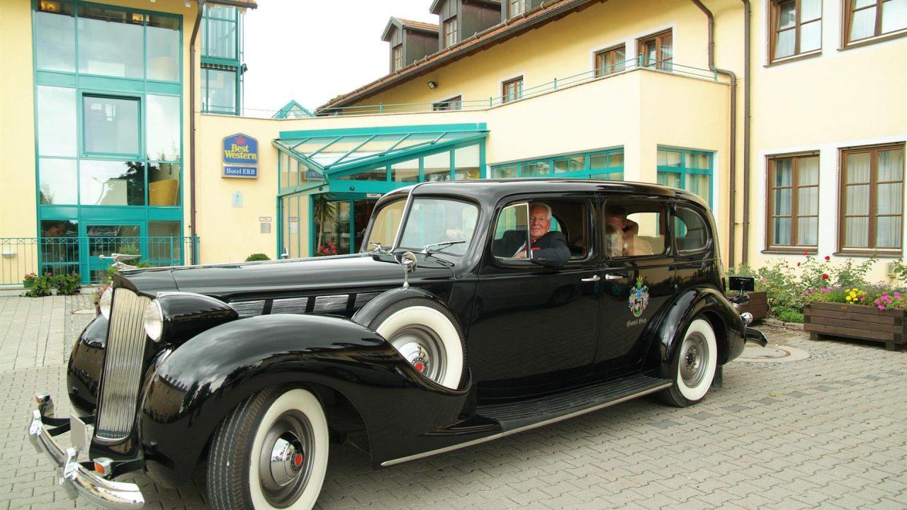 Oldtimer Packard im 4 Sterne Hotel Erb in Parsdorf bei München, Hochzeitsauto
