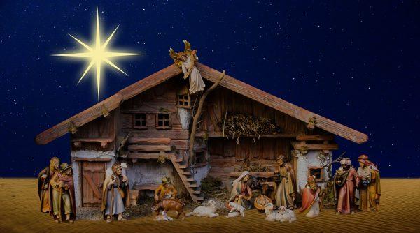 Weihnachtsfest mit Krippe